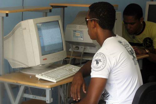 Reforma Baño Economica:Reforma econômica cubana precisa falar de internet – Envolverde