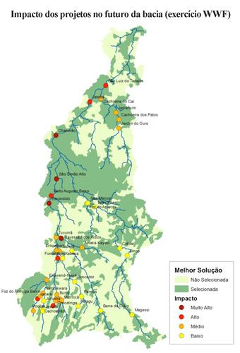 Os círculos coloridos correspondem aos projetos hidrelétricos possíveis para a bacia do rio Tapajós. A cor indica o grau de impacto que terá cada um, desde muito alto (vermelho escuro) até baixo (amarelo). Foto: Cortesia WWF