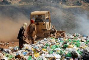 O destino adequado do lixo é um problema que afeta a maioria das cidades. Foto: Agência Brasil