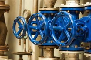 Botões de controle para tubulações de água. Foto: https://www.shutterstock.com/