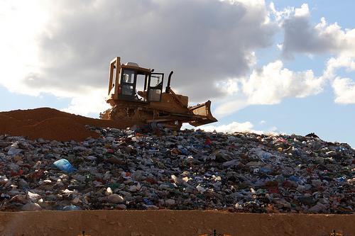 Prorrogação de prazo dos lixões atende reivindicação de prefeitos, diz CNM