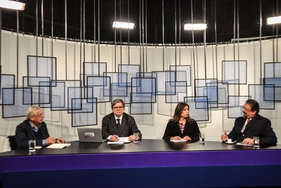 Ladislau Dowbor (à esq.) participa do programa Espaço Público, da TV Brasil. Foto: Marcello Casal Jr/Agência Brasil