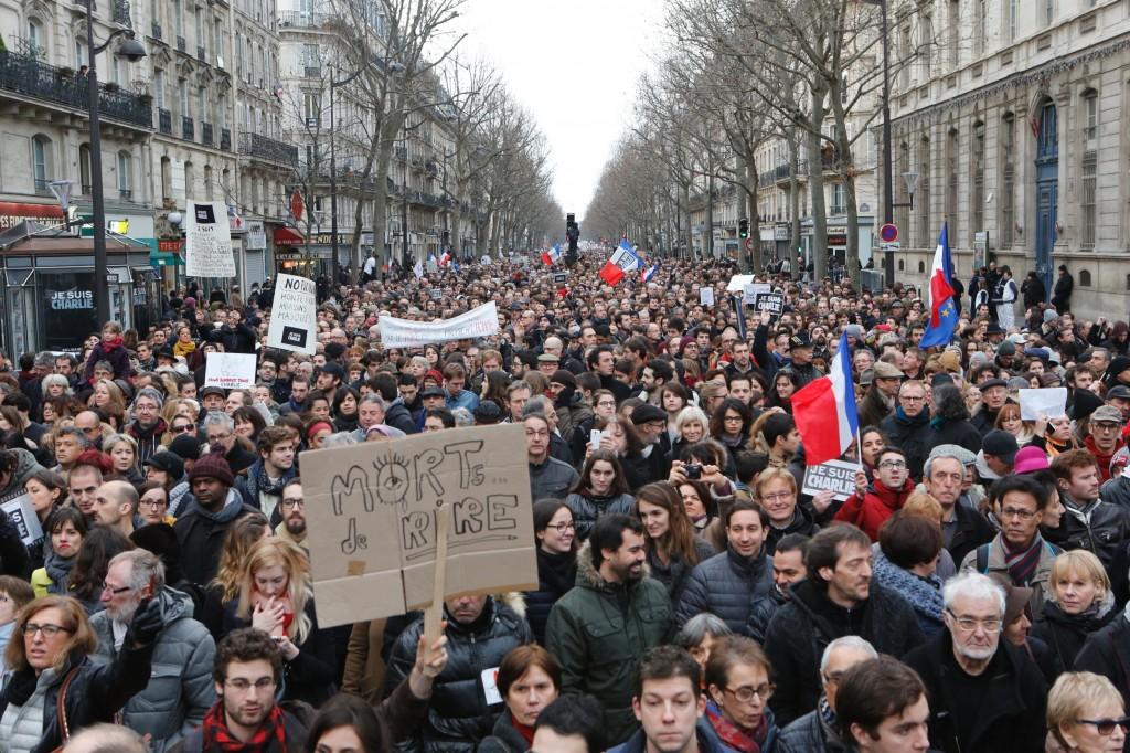 Marcha histórica pela liberdade reúne mais de 1 milhão de pessoas em Paris. Foto: France Diplomatie