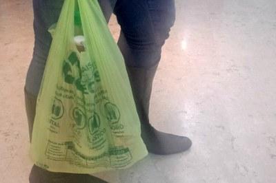 A nova regra das sacolas de mercado e a cobrança por elas passou a valer a partir de abril, em São Paulo. Foto: Reprodução