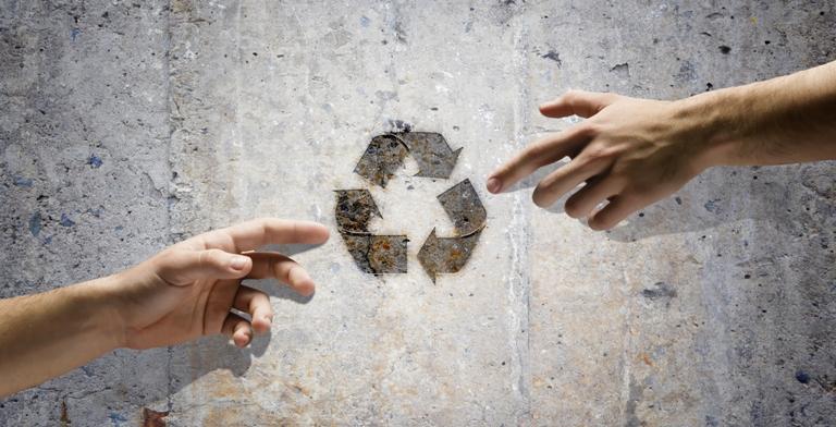 O momento é propício para uma campanha educativa pelo uso correto das sacolas plásticas e da ampliação da coleta seletiva na cidade de São Paulo. Foto: Shutterstock