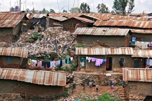 Preocupante auge de favelas em cidades da África