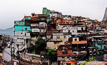 """Favela da Rocinha, no Rio de Janeiro. No quesito """"Oportunidades"""", Brasil fez apenas 65,33 pontos.Foto: Steve Martinez"""