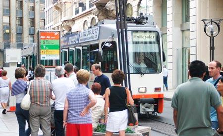 Transporte público de qualidade nas ruas da Suíça.Foto: Luis Cap