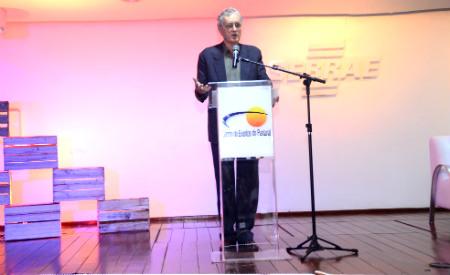 Físico e escritor austríaco Fritjof Capra foi a grande atração do primeiro dia do Congresso Ciclos Fotos: Rodrigo Lorenzon