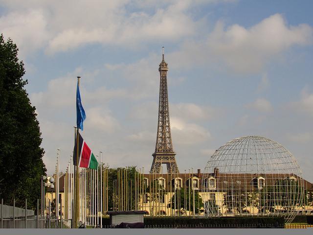 Vista externa da sede da Unesco em Paris, onde aconteceu a conferência científica Nosso Futuro Comum Sob a Mudança Climática, um dos encontros prévios à cúpula climática de dezembro. Foto: Fabíola Ortiz/IPS