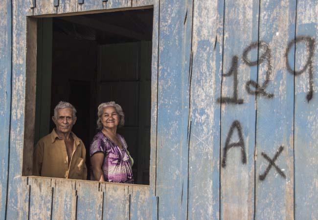 Em Nazaré o casal sobrevive com renda do governo. Foto: Marcela Bonfim/AmReal