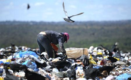 Extinção dos lixões foi estabelecida há quase cinco anos pela Lei dos Resíduos Sólidos, mas maioria dos municípios deixou de cumprir a determinação. Foto: Edilson Rodrigues/Agência Senado/Fotos Públicas