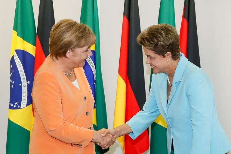 Dilma Rousseff recebe a chanceler alemã Angela Merkel, no Palácio do Planalto. Foto: Roberto Stuckert Filho/ PR