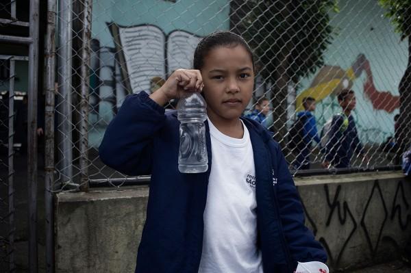 Na Emef Enéas Carvalho de Aguiar, a orientação aos pais é que os filhos tragam garrafinhas de água. Foto: Instituto Alana/Agência Pública/Felipe Paiva