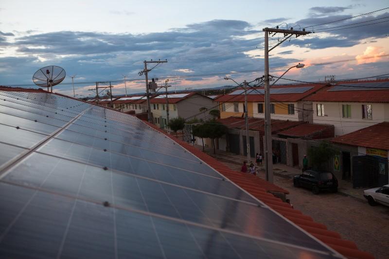 Em Juazeiro, projeto do Minha Casa, Minha Vida, tem painéis solares em todos os telhados. Foto: ©Carol Quintanilha/Greenpeace