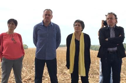 """Blanca Jiménez-Cisneros, Vice-Presidente ONU-Água, Secretária do Programa Hidrológico Internacional (PHI) e Diretora da Divisão de Ciências da Água da UNESCO; Sr. Cláudio Dirceu Eberhard, Prefeito Santa Terezinha de Itaipu; Sra. Josefina Maestu,Diretora de Oficina da ONU em apoio ao Decênio Internacional para a Ação: Água, fonte de vida 2005 – 2015"""" e Nelton Friedrich, Diretorde Coordenação da Itaipu Binacional."""