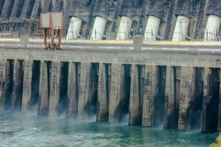 Por ano, o País desperdiça o consumo gerado por meia Usina Hidrelétrica de Itaipu, uma das três maiores do mundo. Foto: Kelsen Fernandes/ Fotos Públicas