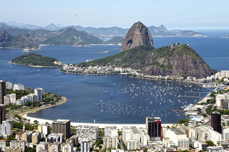O Rio de Janeiro tem 2,4 milhões em áreas de risco (0,24 por cento da população da grande área urbana) em um cenário de aquecimento global de 4 ° C, número que cai para 1,3 milhão no caso de 2 ° C de aquecimento. Foto: Shutterstock