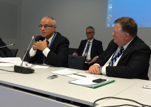 Djoghlaf (esq.) e Reifsnyder (de perfil), coautores do rascunho do acordo de Paris. Foto: Claudio Angelo/OC