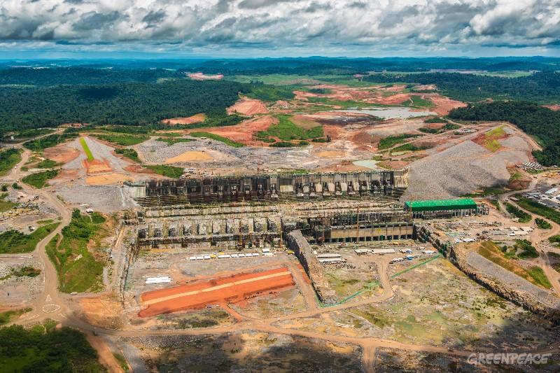 Obras do canteiro da hidrelétrica de Belo Monte, em março de 2015. Foto: Greenpeace/Fábio Nascimento