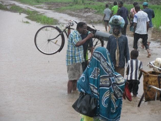 Os atrasos na elaboração de uma política nacional contra a mudança climática no Malawi estão afetando milhões de pessoas que vivem nas áreas mais sensíveis dessa nação do sul africano. Foto: Cortesia da Sociedade da Cruz Vermelha do Malawi