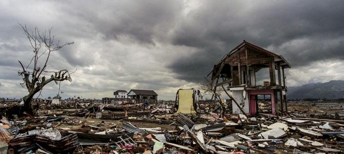 Cidade na Indonésia devastada após o tsunami de 2004. Foto: PMA / Rein Skullerud