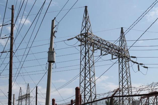 A rede elétrica e a geração de eletricidade na Jamaica necessitará expandir-se e melhorar de forma significativa. Foto: Zadie Neufville/IPS