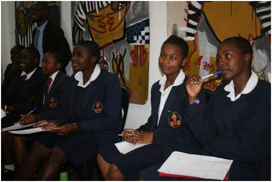 O elevado número de adolescentes africanos com HIV/aids exige intervenções urgentes para frear a propagação da doença. Foto: IPS