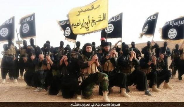 Combatentes do Estado Islâmico em um vídeo de propaganda realizado em 2014 na província iraquiana de Anbar. Foto: Domínio Público