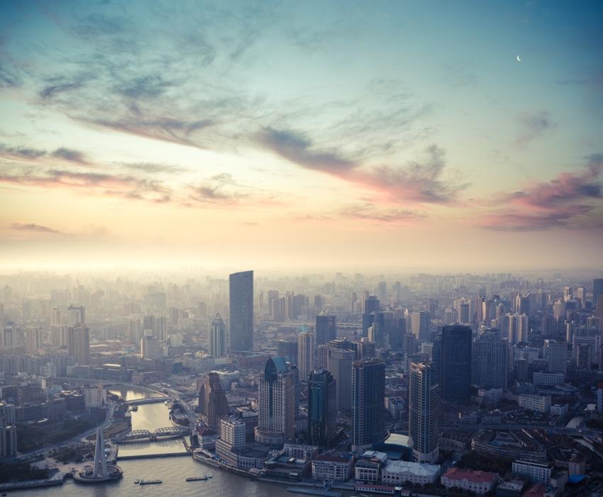 92% da população mundial vive em locais onde os níveis de poluição atmosférica excedem o patamar seguro da OMS para a poluição do ar. Foto: Shutterstock