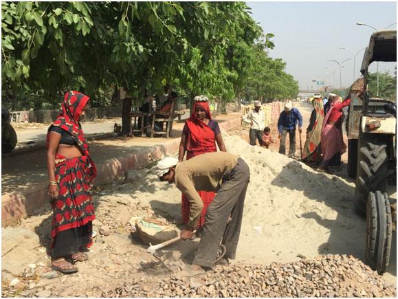 As mulheres rurais na Índia suportam uma enorme pressão de suas famílias para não usarem anticoncepcionais orais nem injeções, optando, por outro lado, pelo método cirúrgico. Foto: Neeta Lal/IPS