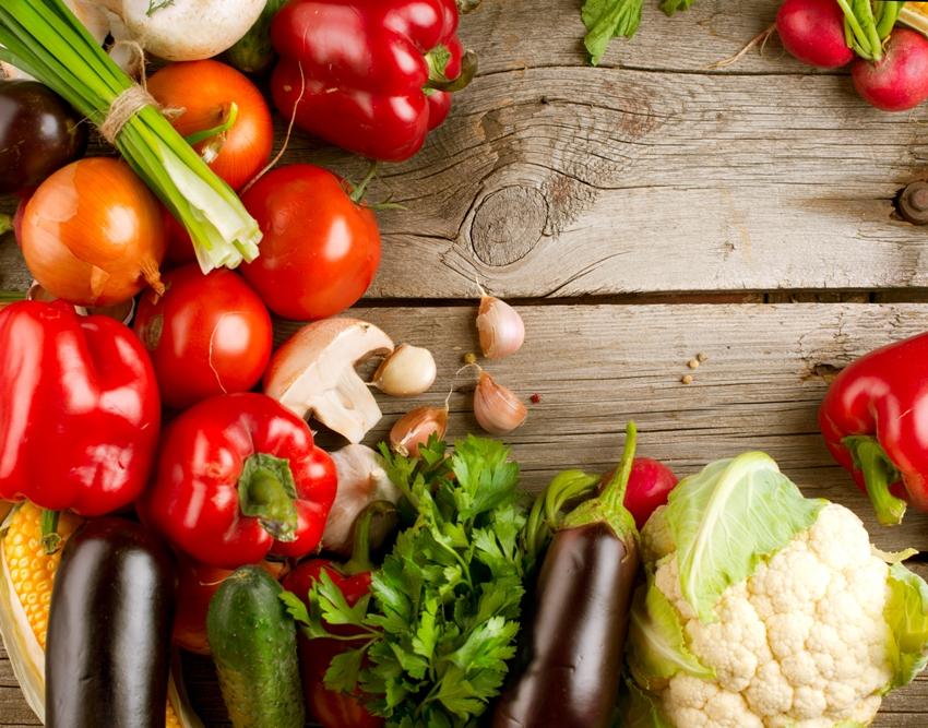 Até 2050, a redução do consumo de frutas e verduras poderá causar duas vezes mais óbitos que a desnutrição. Foto: Shutterstock