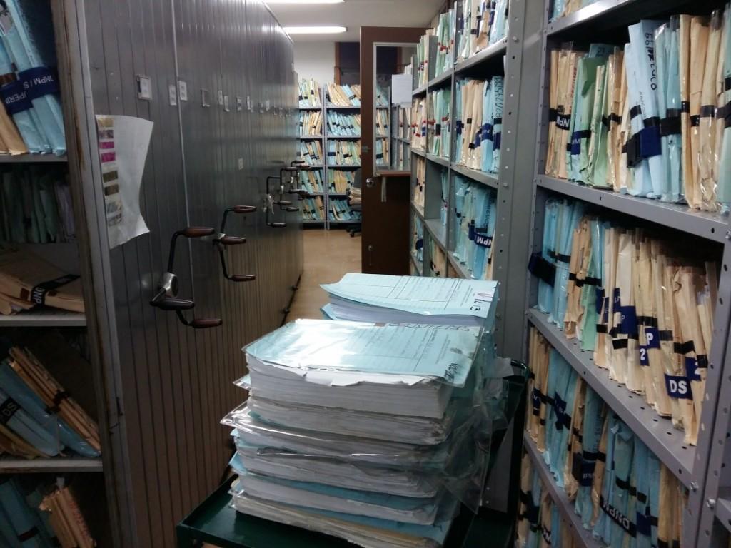 A precariedade da DNPM em São Paulo, onde arquivos são armazenados em sala abafada sem proteção contra poeira e insetos. Foto: Thiago Domenici