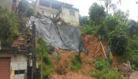 Deslizamento em Francisco MoratoImagens de divulgação/Defesa Civil-SP