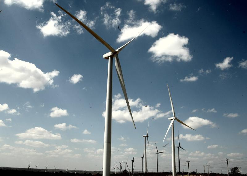 Investimentos em energia eólica crescem no Brasil, principalmente, no Nordeste. Foto: SEI / FotosPúblicas / Aluísio Moreira
