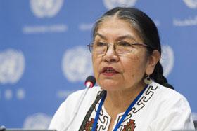 A jornalista quéchua Tarcila Rivera, defensora dos direitos das comunidades indígenas do Peru, em março de 2015. Foto: Mark Garten/ONU Media