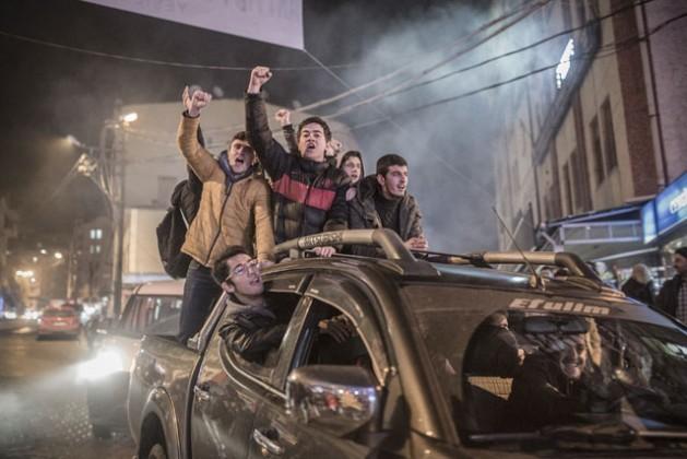 Jovens da cidade de Artvin, na Turquia, protestam contra a construção de uma mina de ouro que coloca em risco o ambiente local. Foto: Sener Yilmaz Aslan/MOKU/IPS