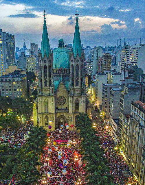 Vista do coração da manifestação em defesa de democracia no centro de São Paulo, parte das mobilizações ocorridas em muitas cidades brasileiras no dia 31 de março, contra a destituição da presidente Dilma Rousseff. Foto: Ricardo Stuckert/Instituto Lula
