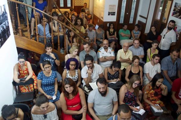 Com a Casa lotada, público fez intervenções durante o debate