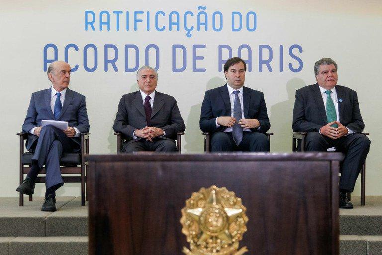 Realizada no mesmo dia da cassação de Cunha, ratificação do Acordo de Paris por Michel Temer perdeu espaço nos noticiários. Foto: Beto Barata/PR/Fotos Públicas