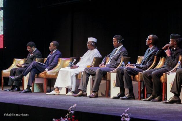 Chefes de Estado africanos durante a cerimônia de abertura da sessão anual do Banco Africano e Desenvolvimento, em Lusaka, capital de Zâmbia. Foto: Yoka | @vandvictors