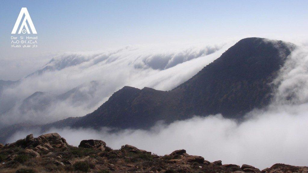 fenomeno-do-mar-de-nuvens-em-tenerife-nas-ilhas-canarias