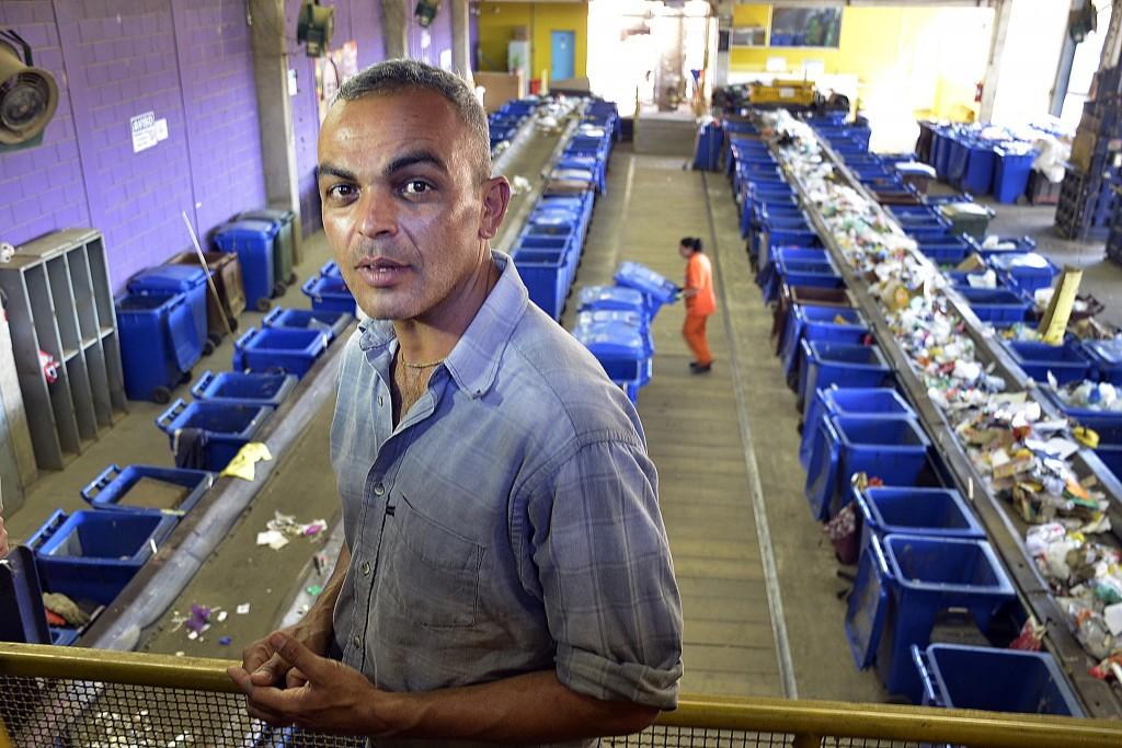 O biólogo Guilherme Moraes dos Santos, autor do projeto de Digestão Molecular de Resíduos Sólidos, instalado na empresa Urbam, em São José dos Campos/SP - Brasil