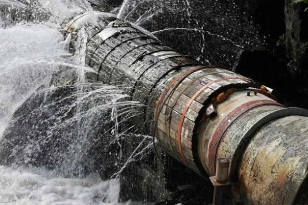 A guerra civil na Síria destruiu grande parte da infraestrutura hídrica do país. Cinco milhões de pessoas sofrem escassez crítica de água. Foto: Bigstock