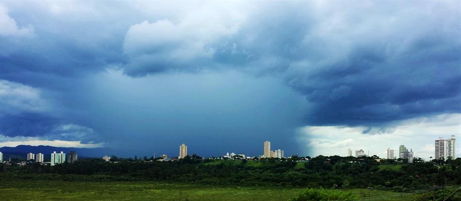 Chuva de Verão. Foto: Rosi Masiero