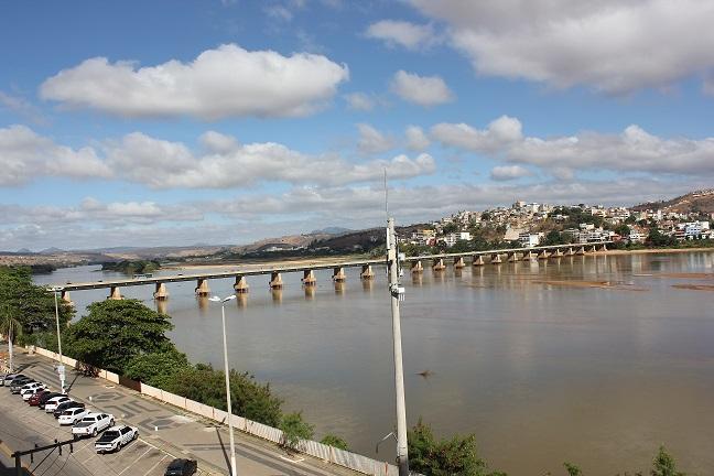 Rio Doce em Colatina (ES). Foto: Hélio Rocha