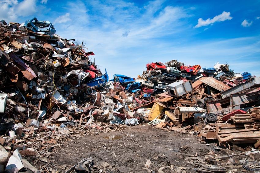 A quantidade de ouro em lixões pode ser maior do que em minas de onde ele é extraído. Foto: Shutterstock