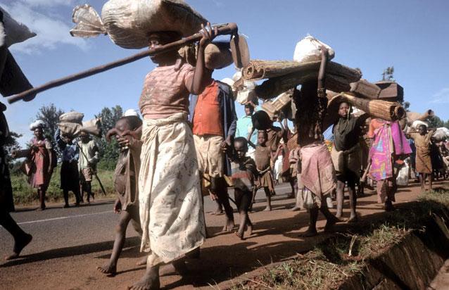 Refugiados fogem de um conflito armado em Burundi. Foto: Linton/ FAO
