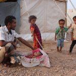 Crianças refugiadas sem nada para festejar